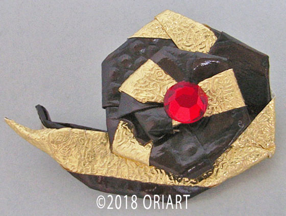 折り紙アクセサリー「ブローチ」