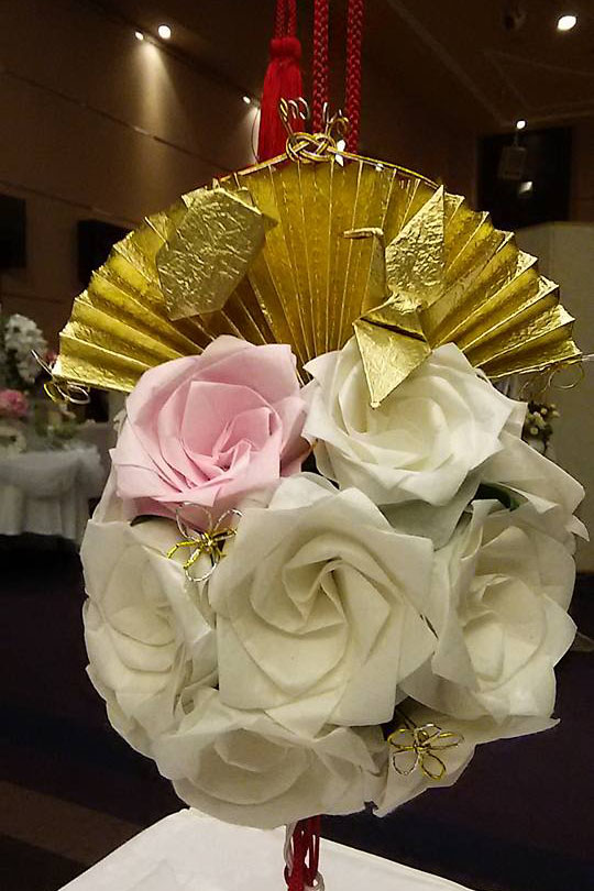鶴 バラ 会場装飾