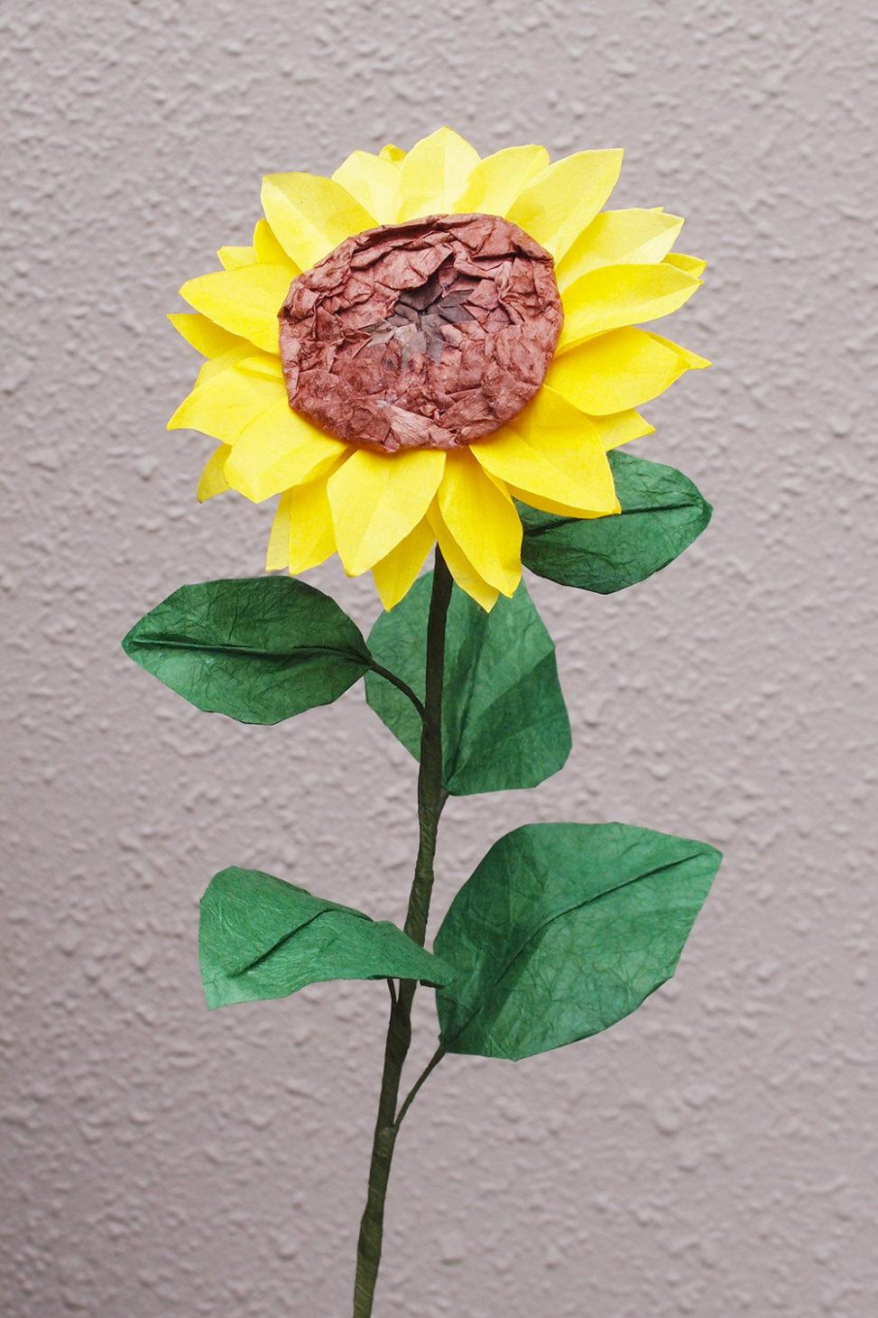 おりがみ立体花作品「ひまわり」